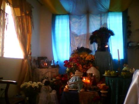 TRONO A YEMAYÁ Y OSHÚN,7 Y 8 DE SEPTIEMBRE DE 2009.